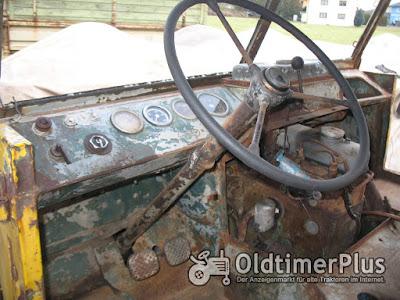 Mercedes UNIMOG 401 102 U 25 Oldtimer Foto 2