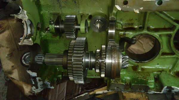 Deutz F2L612/6 Getriebeteile Foto 1