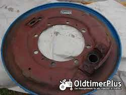 Hanomag R435 Grundplatte, Bremsankerplatte Bremse rechts Foto 2