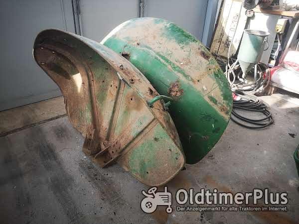 John Deere 3010  Muschelkotflügel Foto 1