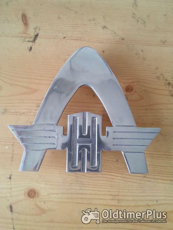 HANOMAG Emblem Rheinstahlbogen Aluguß groß und klein Foto 1