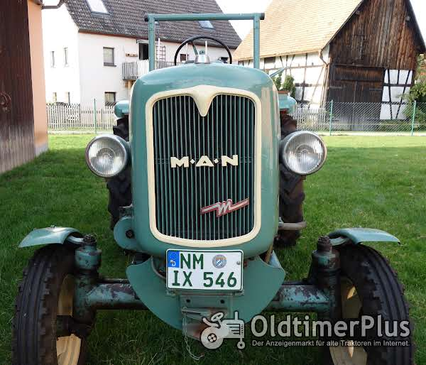 MAN -Schlepper Traktor 25 PS Sehr guter Originalzustand mit passendem Anhänger Foto 1