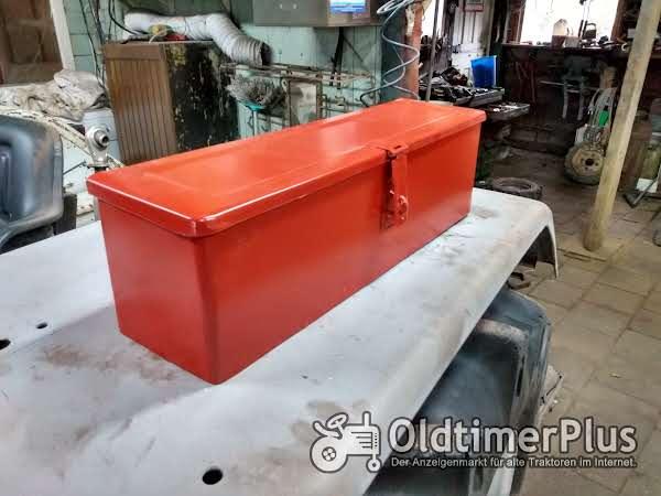 gereedschapbakje tractor universeel rood Foto 1
