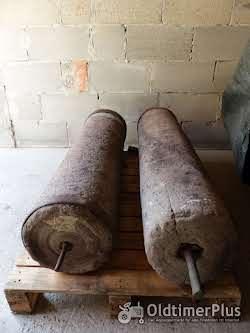 2 alte Sandstein Walzen Foto 2