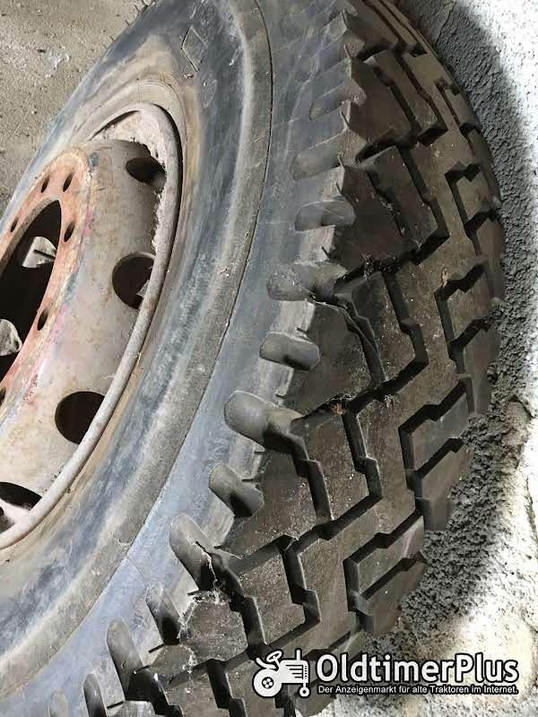 Semperit LKW-Reifen t mit Felge 4 St. Foto 1