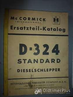 Literatur Ersatzteil-Katalog IH Mc Cormick D 324 Standard