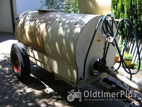 Platz Wasserfaßwagen mit Pumpe Foto 1