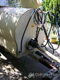 Platz Wasserfaßwagen mit Pumpe Foto 2
