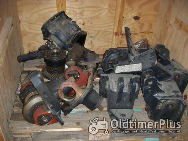 Deutz-Fahr Getriebeteile viele verschiedene Einzelteile Foto 1