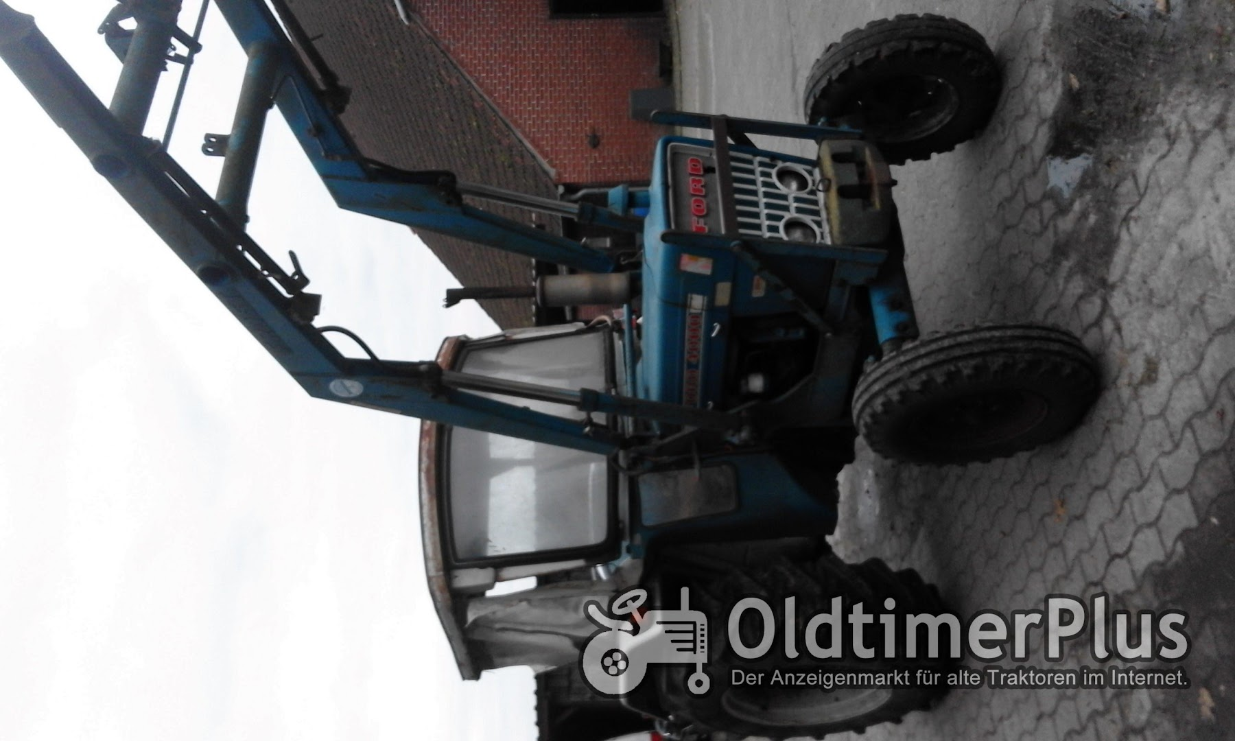 Ford 4000 mit Frontlader Foto 10