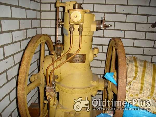 Deutz Stationäirmotor von 1913 Foto 1