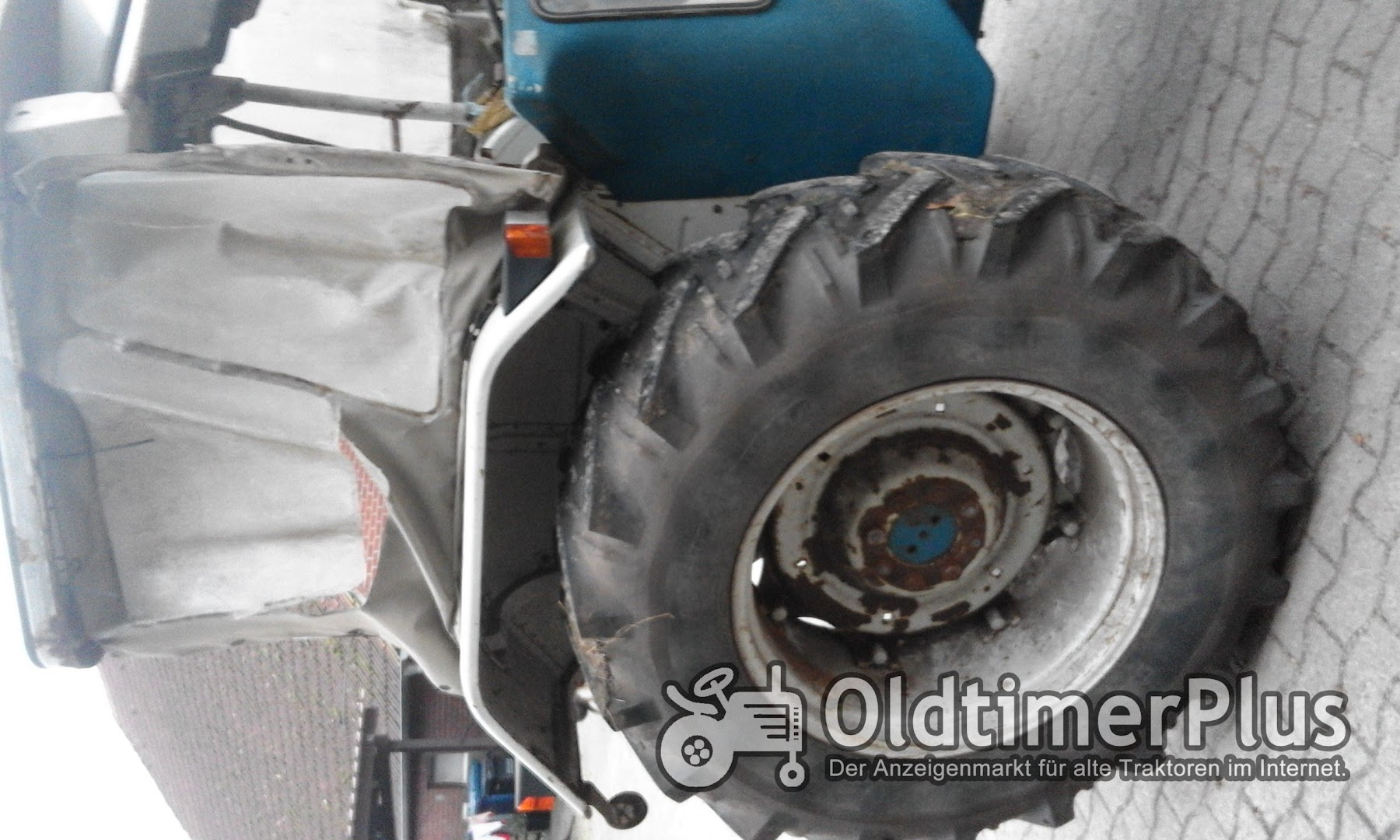 Ford 4000 mit Frontlader Foto 6
