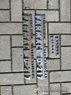 IHC Farmall Schriftzug aus Metall verchromt