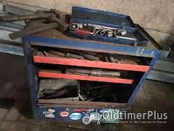 Werkzeug Gereedschapswagen met oud gereedschap