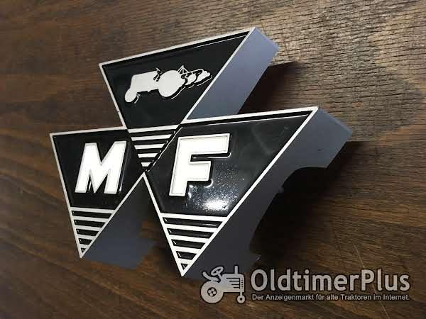 Massey Ferguson Firmenzeichen Foto 1