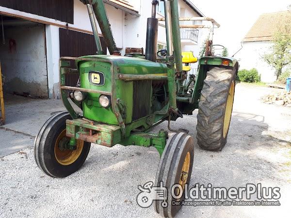 John Deere 2130 mit Frontlader Foto 1