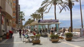 Una de las cafeterías del Paseo Marítimo de Almería.