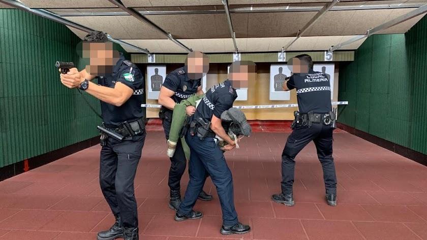 Agentes de la Policía Local, durante el curso.