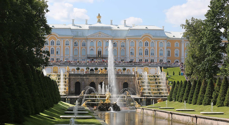 The magnificent Cascade at Peterhof Palace begins at 11 am each morning in St. Petersburg.