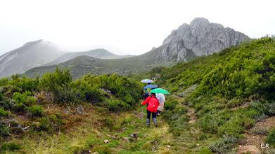 Photo: Nos toco caminar dos horas bajo la lluvia
