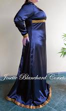 Photo: Vestido medieval em cetim chamusse com elastano em e detalhes em gorgorão.   Site: http://www.josetteblanchard.com/  Facebook: https://www.facebook.com/JosetteBlanchardCorsets/  Email: josetteblanchardcorsets@gmail.com josetteblanchardcorsets@hotmail.com