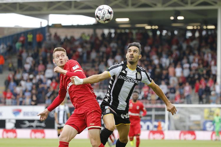 """Antwerp-nieuwkomer hoopt op meer kansen: """"Maar de flank ligt me toch beter"""""""