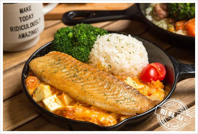 森夜早午餐餐廳醃泡菜豆腐乾煎魚排