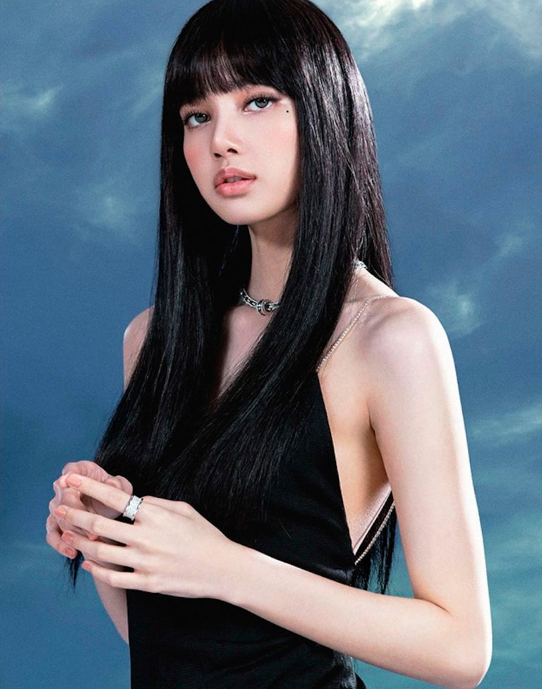 blackpink-lisa-black-dress-768x976