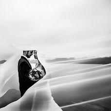 Wedding photographer Elena Metelica (ELENANDROMA). Photo of 24.04.2017