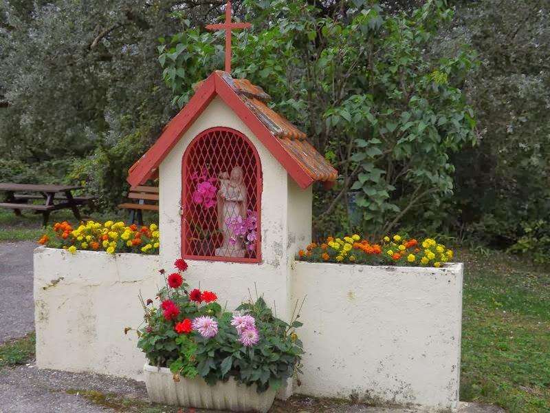 Chapelle votive de Bas Quet en Beaumont