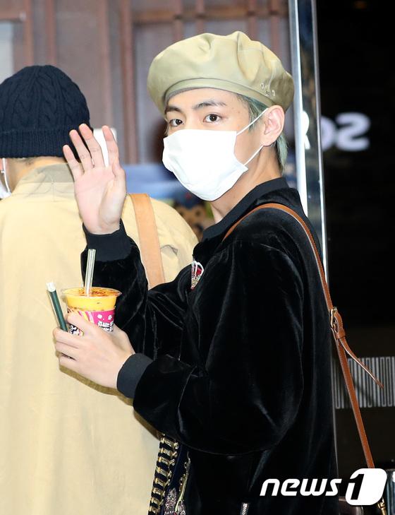 BTS 뷔, 출국 전 달콤한 인사