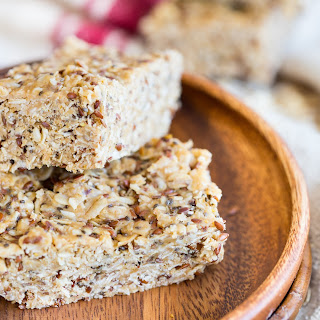 No Bake Peanut Butter Chia Granola Bars Recipe
