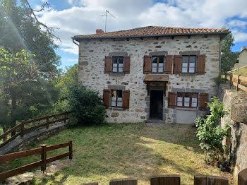 maison à Ruynes-en-Margeride (15)