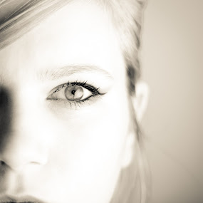 seeing eye by Ami Hawker - People Portraits of Women