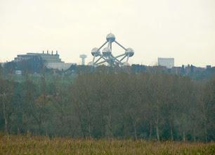 Photo: Au loin, l'Atomium fête cette année ses 50 bougies