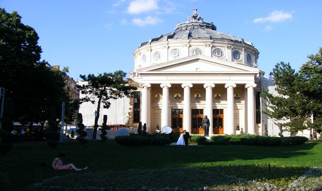 To see on Victoria Avenue Bucharest the Athenaeum