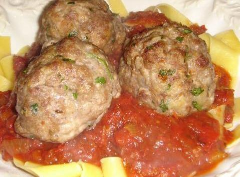 These meatballs are just the best accompaniment to some homemade Italian sauce and noodles.