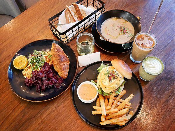 EGGY 什麼是蛋 - 台北松山區特色早午餐,各種特色蛋料理,全手工餐點連附餐都令人愛不釋手,姓王的朋友可別一次點八道
