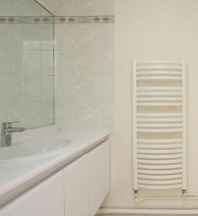 Location appartement 5 pièces 158,7 m2