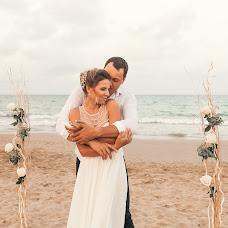 Wedding photographer Nastasiya Gusarova (nastyagusarova). Photo of 02.08.2017