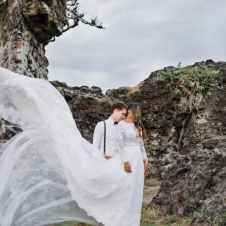 Wedding photographer Alejandro Cano (alecanoav). Photo of 15.01.2018