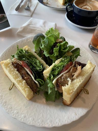 布里歐早午餐和飲料、甜點都很有水準 生菜品質幾乎跟nice green一樣,非常喜歡 之後會再來