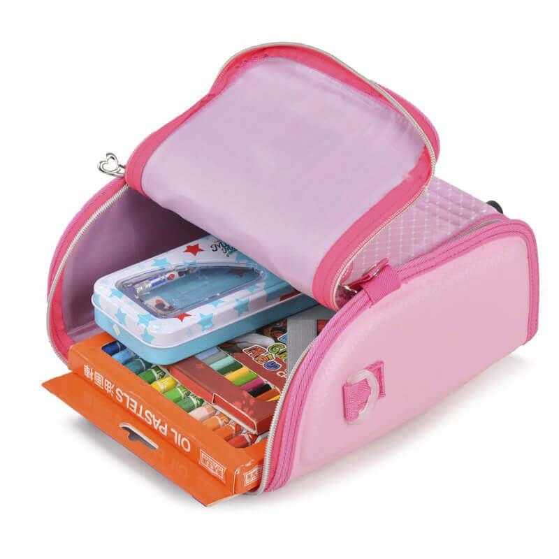 Balo có 1 ngăn lớn rất tiện để bỏ sách vở và đồ dùng học tập vào bên trong