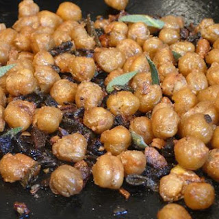 Roasted Chickpeas With Garlic & Sage