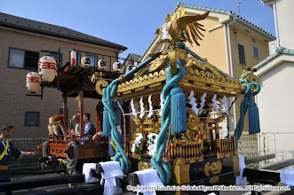 Photo: 【平成24年(2012) 本宮】  出立に備える大人神輿と山車。