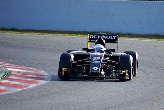Photo: Kevin Magnussen - Renault F1 Team