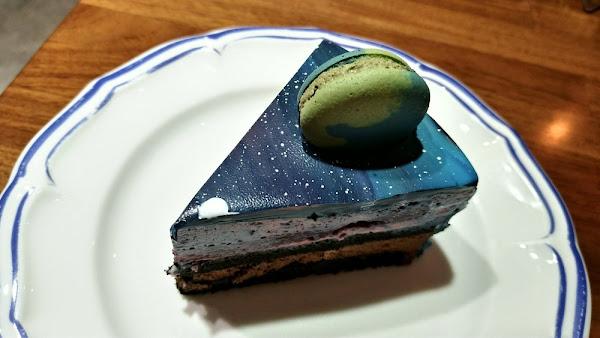 風雨珈琲(小宇宙星空鏡面蛋糕、藍莓卡士達塔、巴黎香榭紅茶及綠島大哥)
