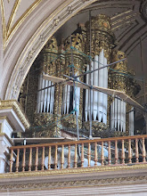 Photo: and its baroque organ. 74 baroque organs have been identified in the Oaxaca area. Nine have been restored to playable condition. There is an Historic Organ Festival every other year and we hope to attend some year.