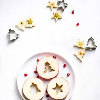 Christmas Apple and Peanut Butter Sandwiches.