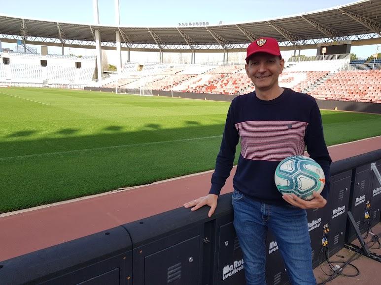 Juanjo López más feliz que nunca en el Mediterráneo.